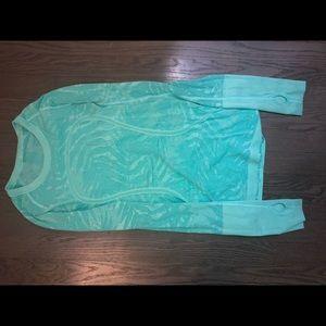 lululemon athletic long sleeved shirt